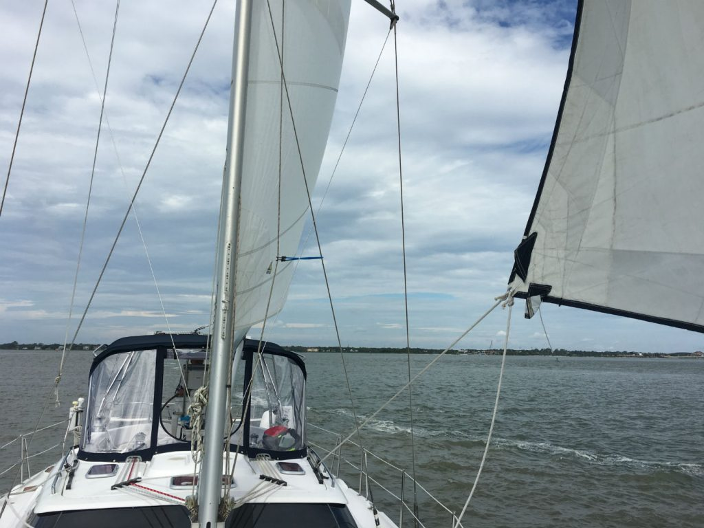 , Why You Should Take Sailing Classes From A Recognized School