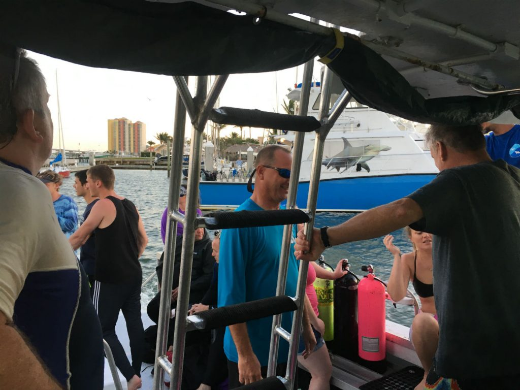 , Danger Signs of an Unsafe Dive Boat // Dive Boat Safety