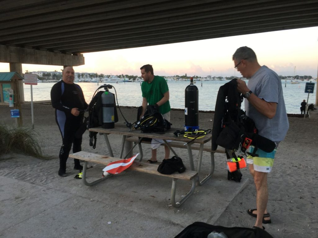 Diving Blue Heron Bridge, Three-Day Weekend to Dive Blue Heron Bridge // West Palm Beach Florida
