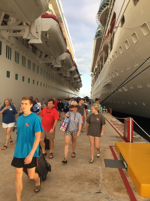 , Western Caribbean Dive Sampler by Cruise Ship // Diving Four Countries in Four Days